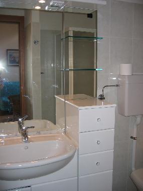 Ferienwohnung crone idro see apartments atr the lake of for Badezimmer 5000 euro