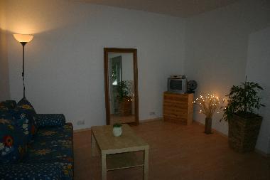 bilder ferienhaus d sseldorf deutschland gartenbungalow. Black Bedroom Furniture Sets. Home Design Ideas