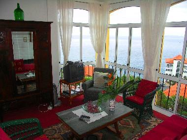 ferienwohnung canico de baixo private ferienwohnung auf madeira ferienwohnung portugal. Black Bedroom Furniture Sets. Home Design Ideas
