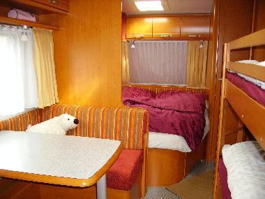 Etagenbetten Wohnwagen : Leichte wohnwagen unter kg caravaning