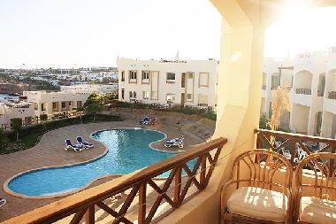 pool directly located under the apartment, you are entitled to use also the other 3 pools.