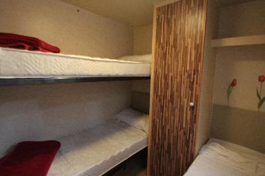 Wohnwagen Mit Etagenbett Und Einzelbetten : Wohnwagen mit etagenbett und einzelbetten etagenbetten