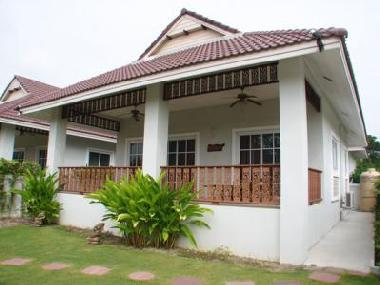 ferienhaus hua hin bungalow ferienhaus thailand ferienhaus. Black Bedroom Furniture Sets. Home Design Ideas