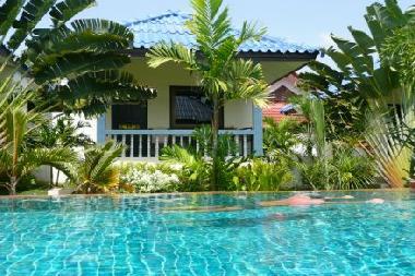 ferienhaus nai harn beach7rawai naya resort ferienhaus. Black Bedroom Furniture Sets. Home Design Ideas
