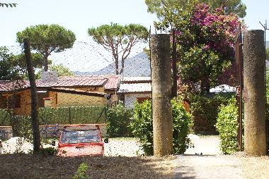 Ferienhaus Salto di Fondi Wunderschönes kleines Haus am See ...