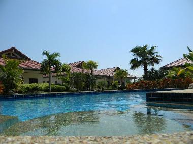 ferienhaus hua hin palm village resort ferienhaus thailand. Black Bedroom Furniture Sets. Home Design Ideas