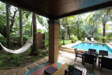ferienhaus chalong beach villa palmgarden ferienhaus. Black Bedroom Furniture Sets. Home Design Ideas