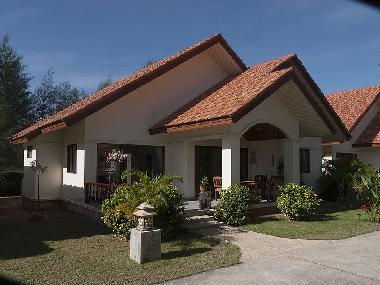 ferienhaus takuapa district paradis villa ferienhaus. Black Bedroom Furniture Sets. Home Design Ideas